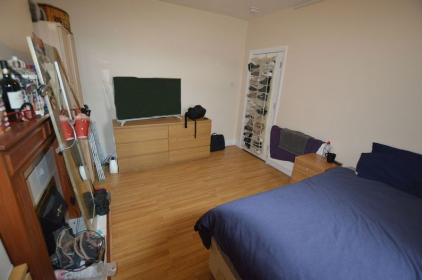 Images for HOUSE SHARE: Woldham Road, Bromley - NO TENANT FEES!